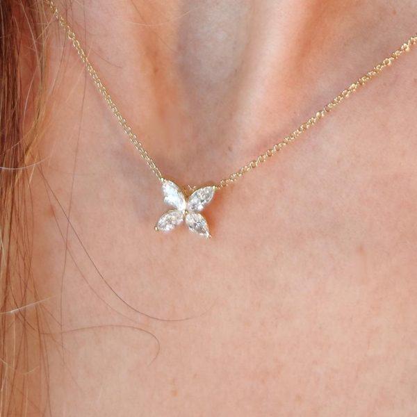 Diamant Collier Gelbgold Navette 18 Karat