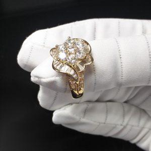 Diamantring Gelbgold Baguette und Brillant über 1 Karat