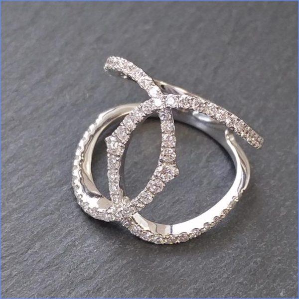 Diamantring Weissgold modern fast 4 Karat